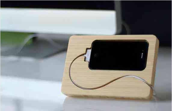 An iPhone dock that makes even the cord look beautiful