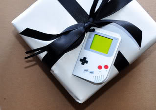 The gift tag that will make your thumbs twitch with longing