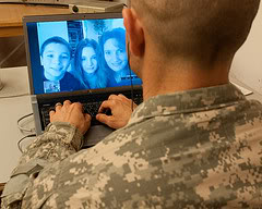 2 Tech tips for keeping in touch with military parents or family out of town