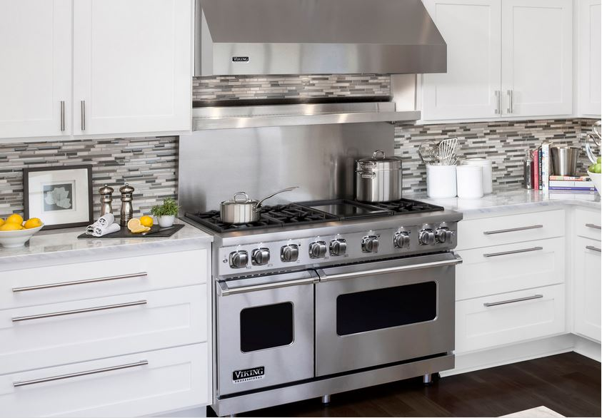 Viking ranges go high tech, as if they weren't already on every foodie's covet list.
