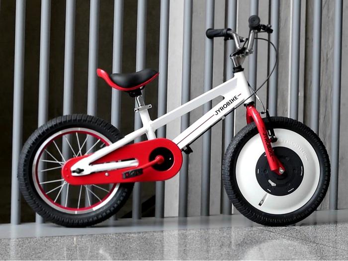 The Jyrobike: Science meets technology meets whoa, my kid is finally riding a bike.