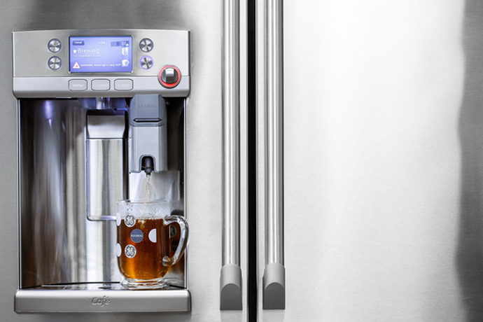 Piquing our Geek: The GE Cafe Series refrigerator now with a built-in Keurig brewer.
