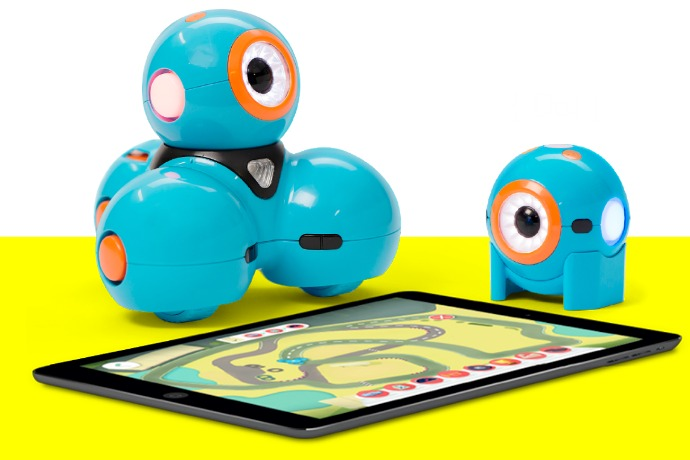 Wonder Workshop Dot and Dash Robots: 1 tech toy. 4 kids. 3 project ideas. And no fighting, mostly.
