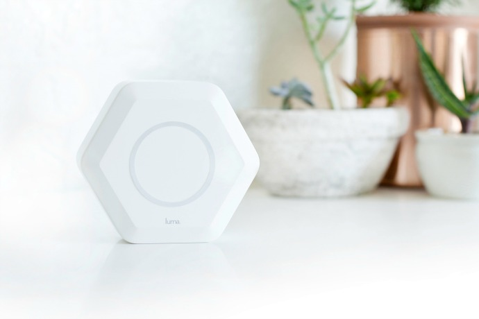 Luma WiFi: An amazingly smart router system that keeps homes connected and kids safe.