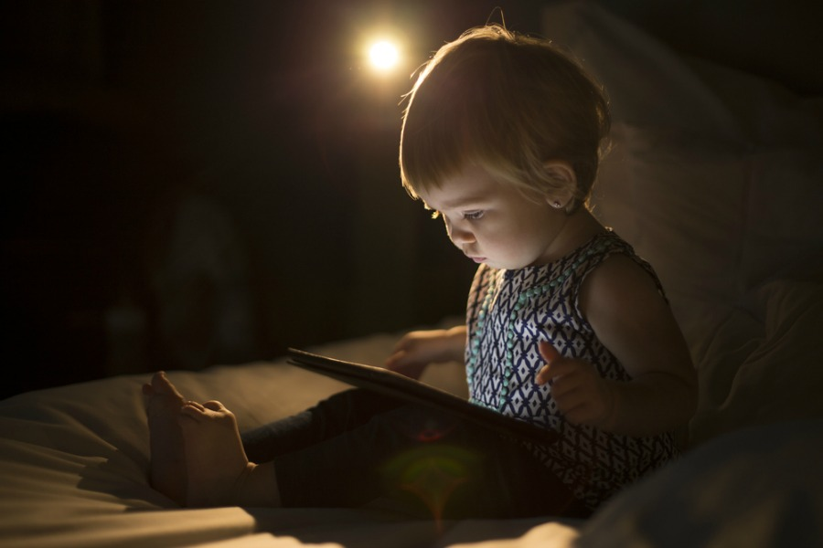 New study says screen time during the day is affecting your toddler's sleep at night