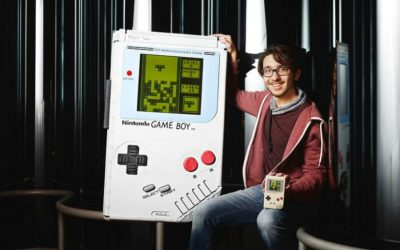 Web coolness: A record-breaking Game Boy, an 8-year old entomologist you need to meet, and a new Star Wars comic. Yaassss!