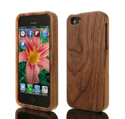 Wood iPhone case from Vers | Cool Mom Tech
