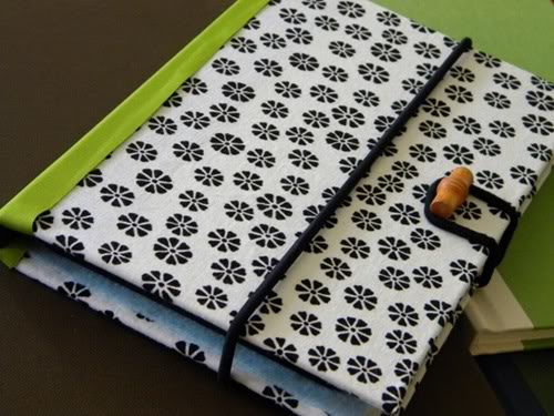 A DIY Kindle cover for the crafty