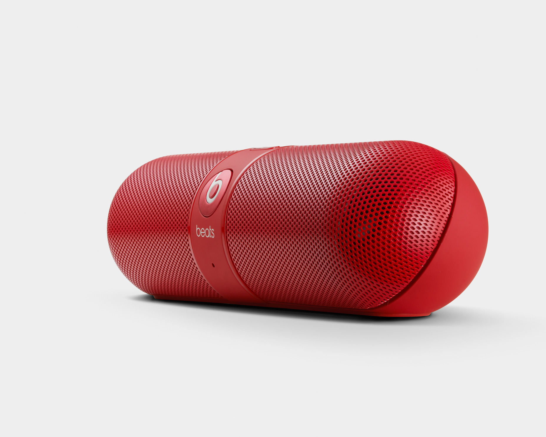 Beats Pill Wireless Speaker: Good sounds come in small, medicinal looking packages