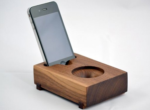 A Cool IPhone Speaker Hold The Electricity Mom Tech