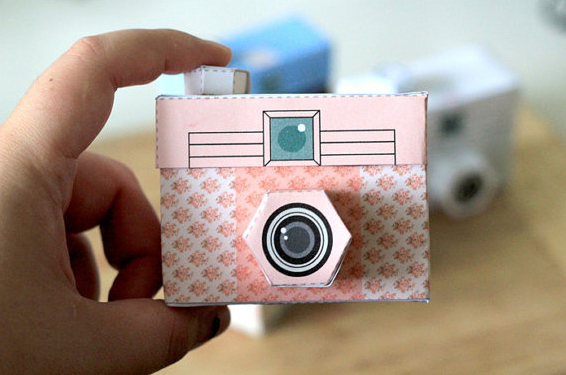 Picture perfect papercraft cameras!