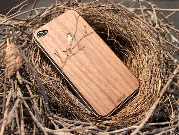 Cover your gadget with… Toast!