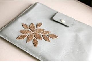 A pretty handmade sleeve worthy of your iPad