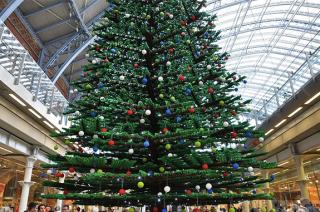 Web Coolness: Lego Christmas tree, NOOK kids books, and tech holiday wish lists