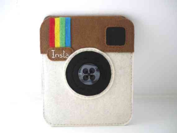 Showing your love for Instagram on your phone case