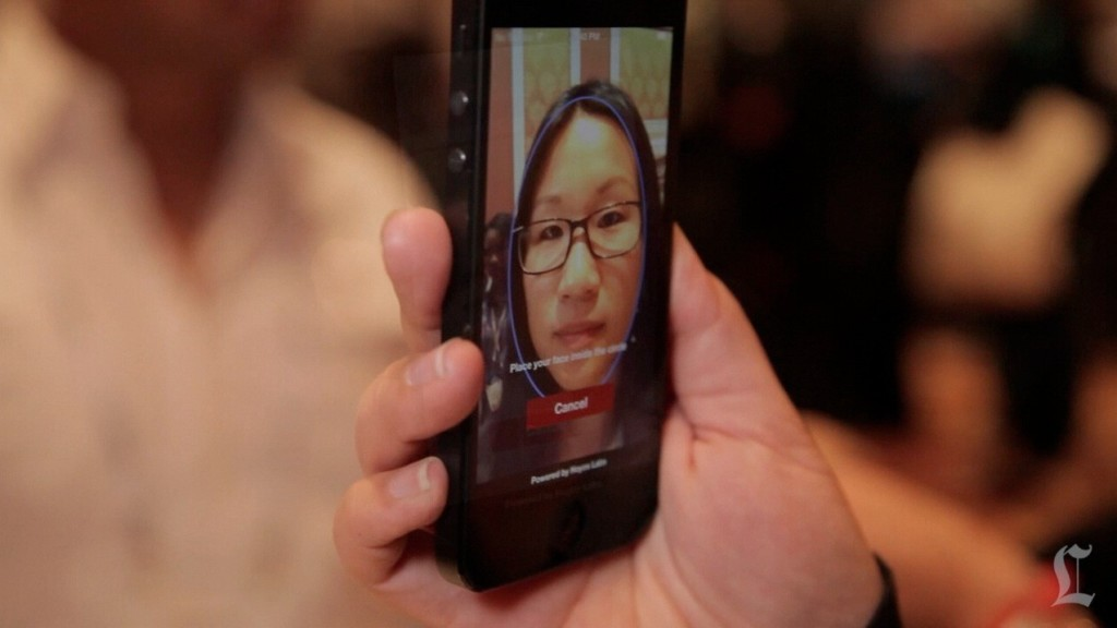 Hoyos Facial Recognition ID at CES | c LA Times