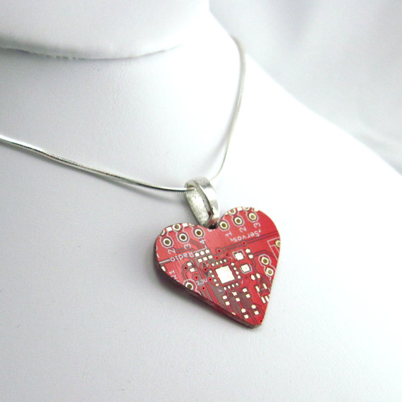 circuit board heart necklace | cool mom tech