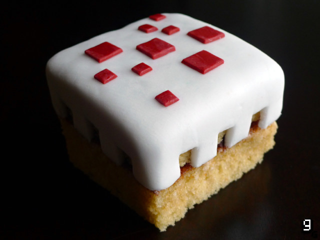 Minecraft cake | Cool Mom Tech