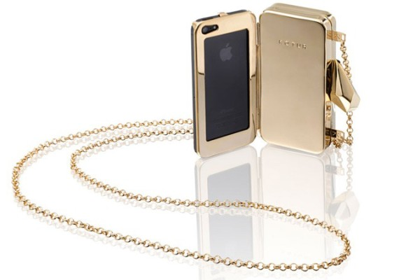 #getsmartbag Minaudiere iPhone Clutch from Kotur | Cool Mom Tech