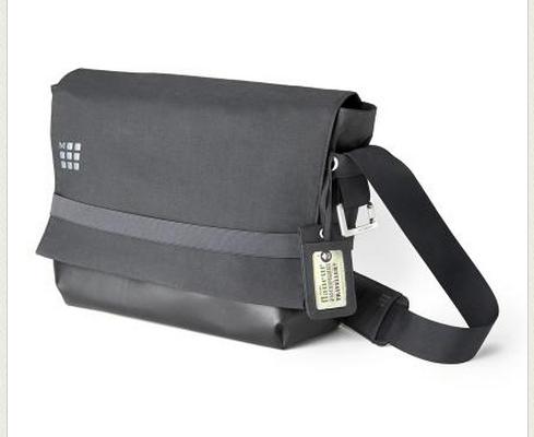 Moleskine myCould laptop messenger bag | Cool Mom Tech