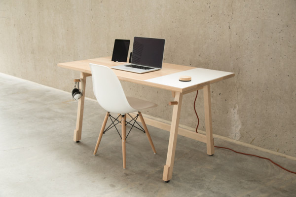 Artifox Handmade Maple tech desk | Cool Mom Tech