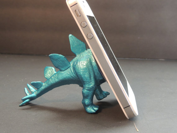 Dinosaur toy iPhone stand | coolmomtech.com