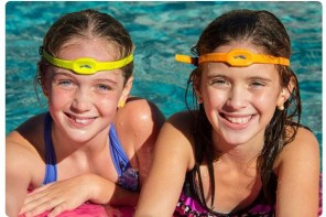 iSwimband: The most essential poolside tech accessory parents could need