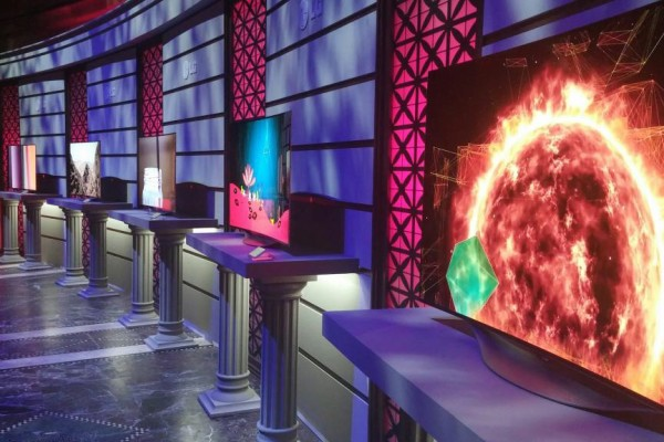 LG new OLED 4K TVs at Art of the Pixel digital design awards | ©CoolMomTech