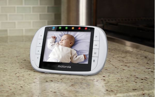 Great baby monitors round-up at coolmomtech.com | Motorola MBP36S