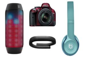 Sponsored post: Gift smart with RadioShack this holiday season