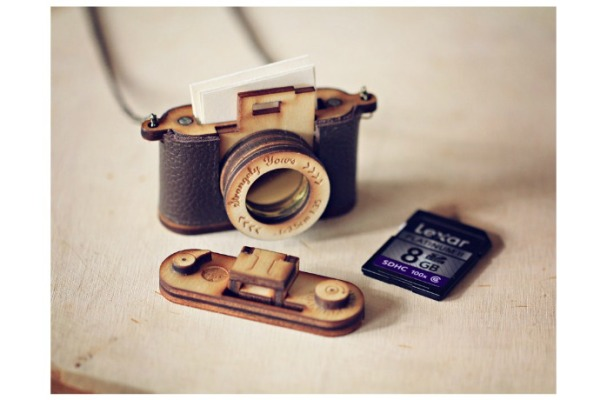 Coolest gifts for photographers: custom camera locket