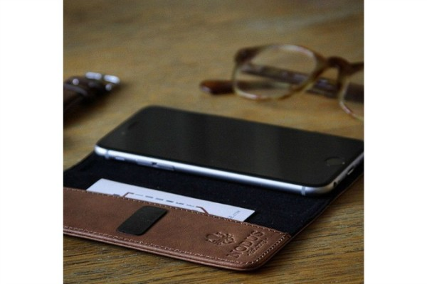 Nodus Access leather iPhone case with microsuction pads