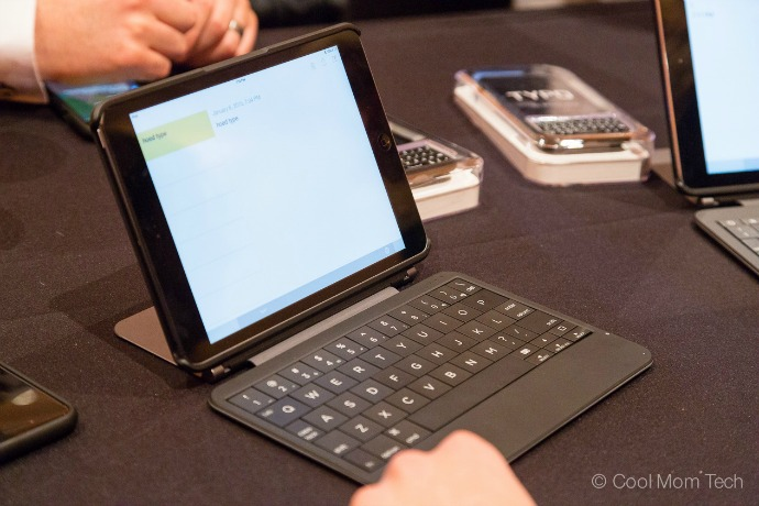 Typo2 keyboard case: Now turning your iPad Air or iPad Mini into a laptop. Well, sort of.