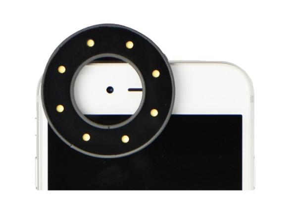 The Vany circle light helps you take better selfies