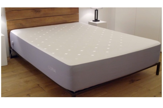 New Luna smart mattress cover tracks sleep, adjusts the temperature, wakes you up, possibly does dishes.