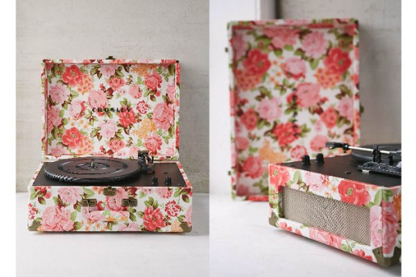 Crosley USB record player gives new meaning to 'flowers for valetine's day' huh?
