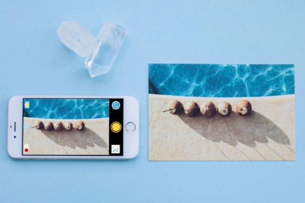 The Photojojo Disposable Camera app turns your iPhone into a disposable camera.