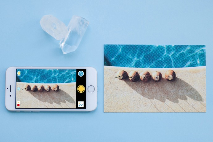 a disposable camera app that turns your phone into a fotomat