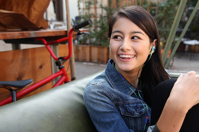 5 of the best sports headphones for women (and other folks with small ears)