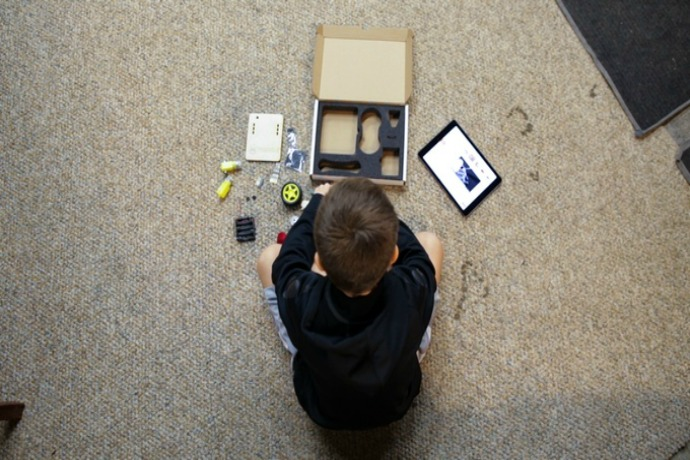 The Thimble STEM subscription box brings cool projects to your doorstep every month