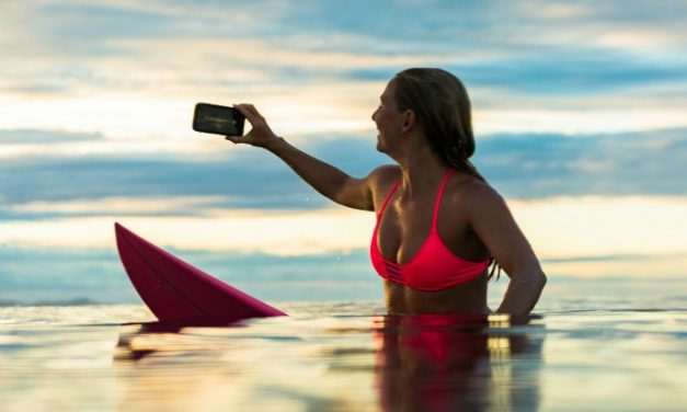 5 waterproof cell phone cases for summer. Or parents. Because, kids.