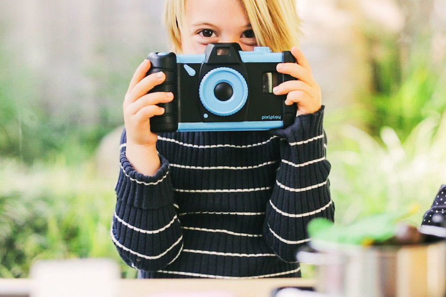Pixlplay turns any smart phone into a cool camera for kids