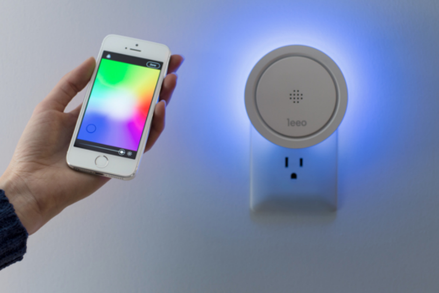 6 smart night lights: Leeo