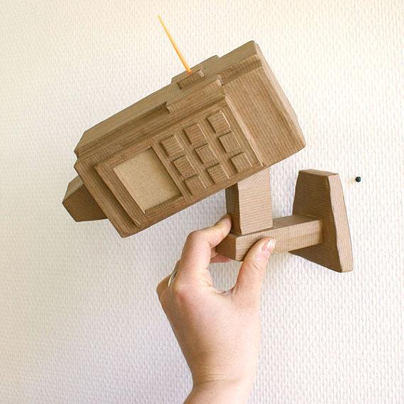 i-17c8374ef24a542707b1c0dcfbab1a76-recycled-cardboard-camera-coolmomtech_zps415fef8a.jpg