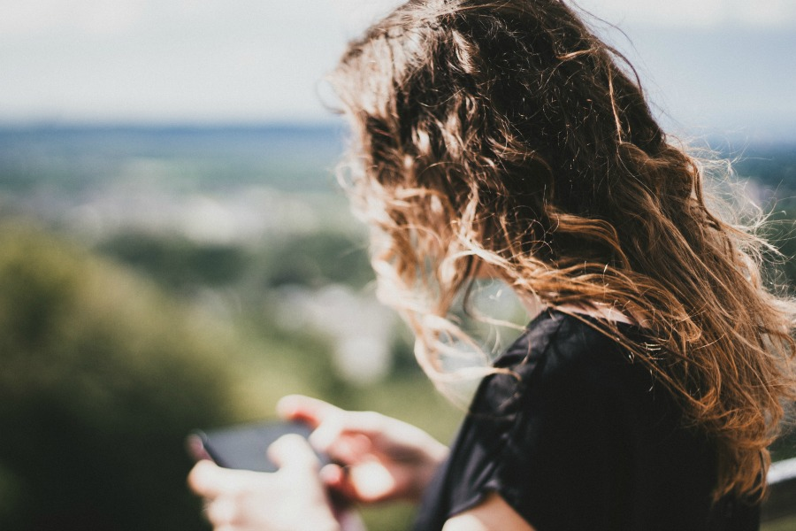 New study says too much screen time leads to unhappy teens