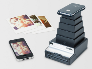Piquing Our Geek: Turn your iPhone photos into Polaroids. Remember those?