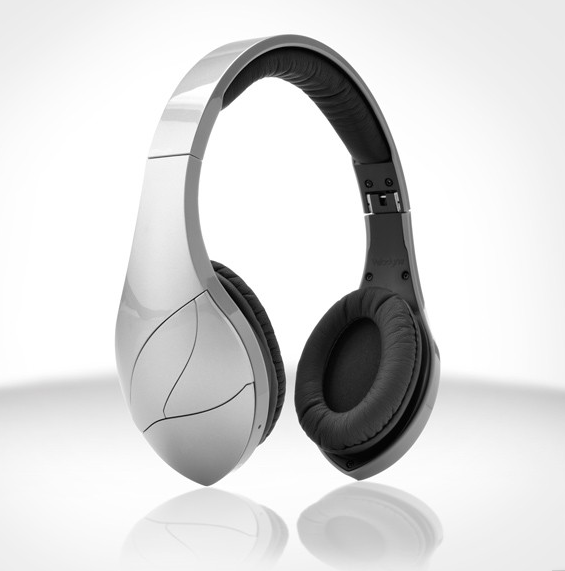 The coolest trends at CES 2013: Over-the-ear headphones