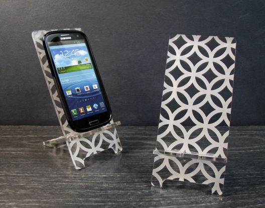 We stand for pretty phone stands