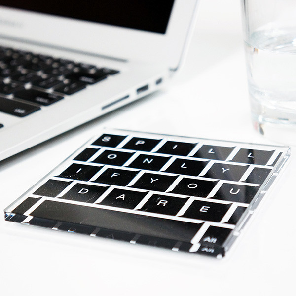 A techie hostess gift that keeps you unplugged