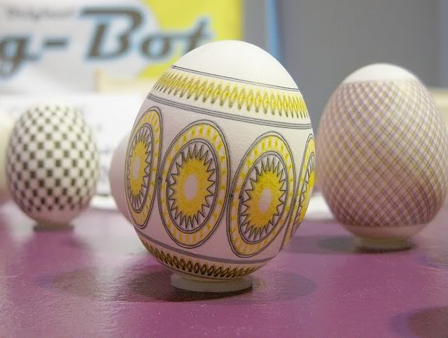 Piquing our Geek: The Original Egg-Bot